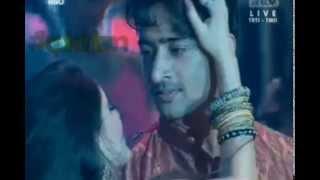 Gambar cover Shaheer Sheikh & Soumya Seth - Ladki Badi Anjani Hai with Subtitle - Bolly Star Vaganza