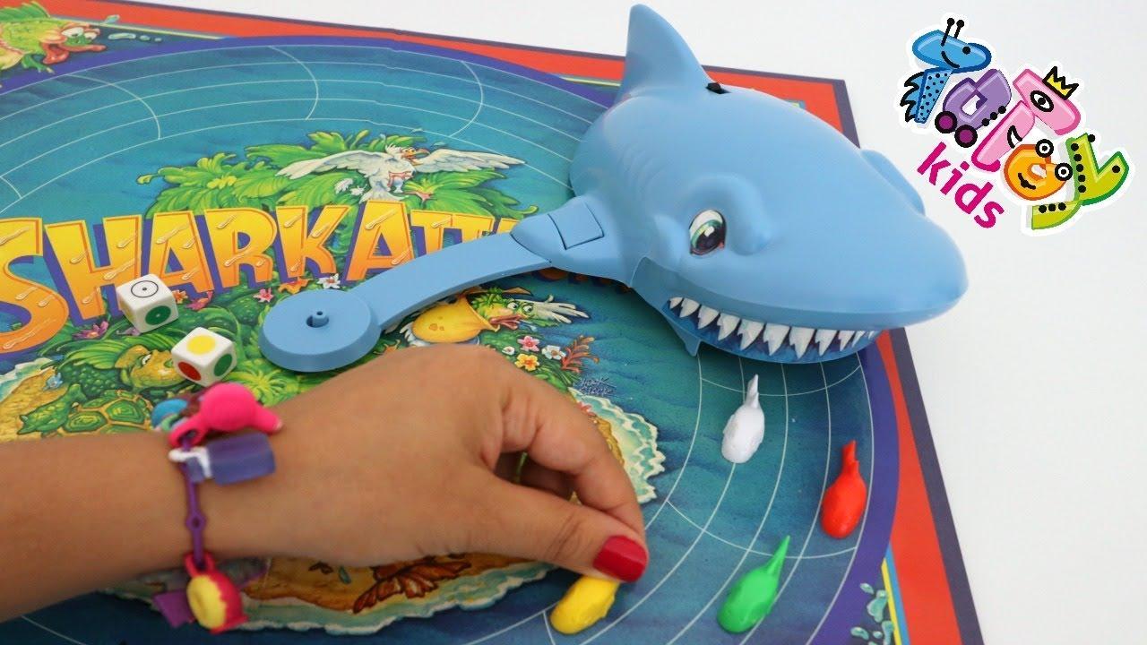 Totoykids brincando com jogo do Tubarão