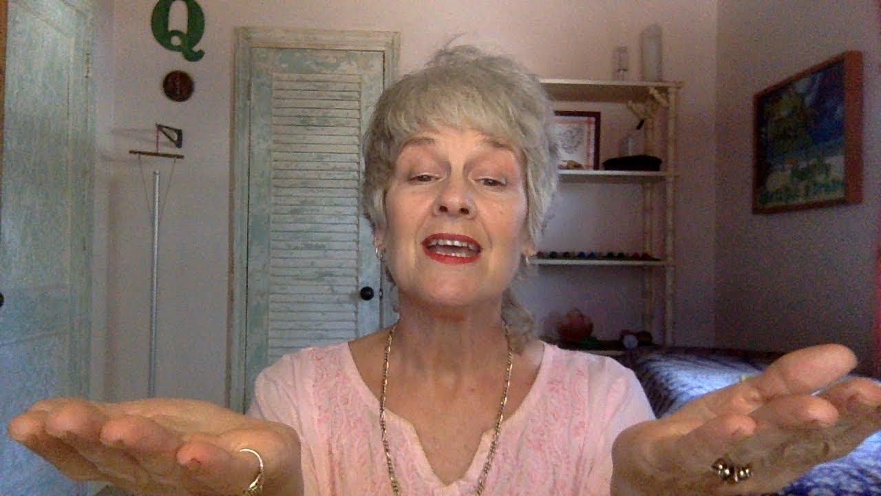 Lady Melody reads Farenheit 45-episode 1