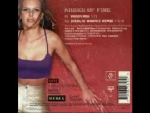 La Luna - Kisses Of Fire