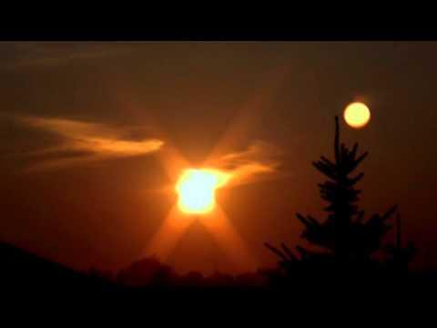 nibiru planet x near the moon and sun over florida november26