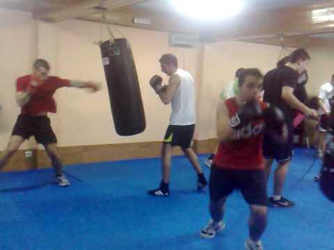 Entrenamiento Boxeo Le U00f3n Sport Center