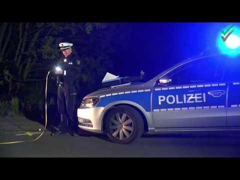 Tödlicher Unfall – PKW erfasste Fußgängergruppe nachts auf einer Landstraße bei Breckerfeld