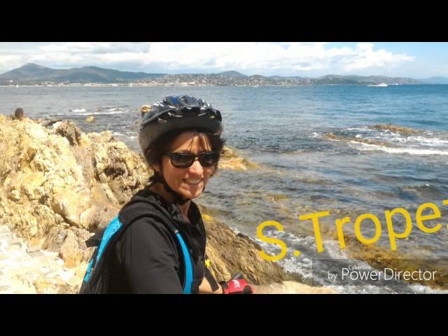 Turisti in bici in Costa Azzurra