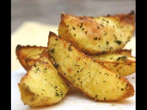 Картошка  в духовке. Картошка по деревенски. Картошка ломтиками. Картошка запеченная.