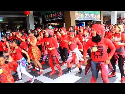 Zumba Warm Up Victor Mix / Zumba PartySpecial Imlek2018 At BigMall ,Samarinda ,Kalimantan Timur