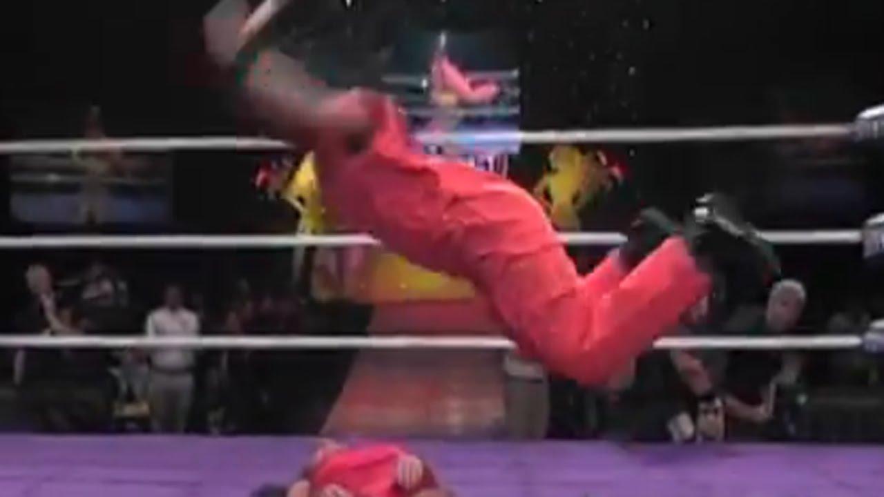 erezione durante il wrestling)