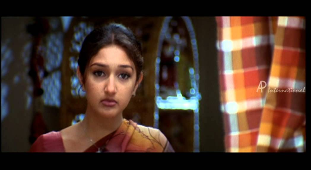 Bizhat. Com priyamana thozhi review. Madhavan, jothika, sree devi.