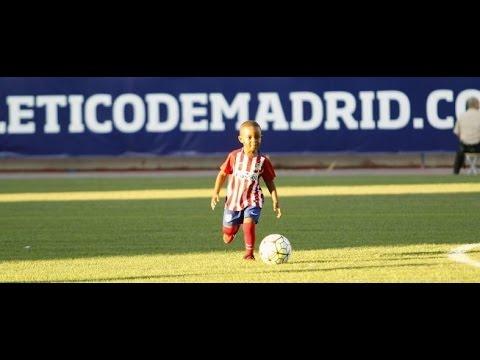 Hijo de Jackson Martínez deslumbra con el balón en los pies en el Calderón • Atlético de Madrid 2015