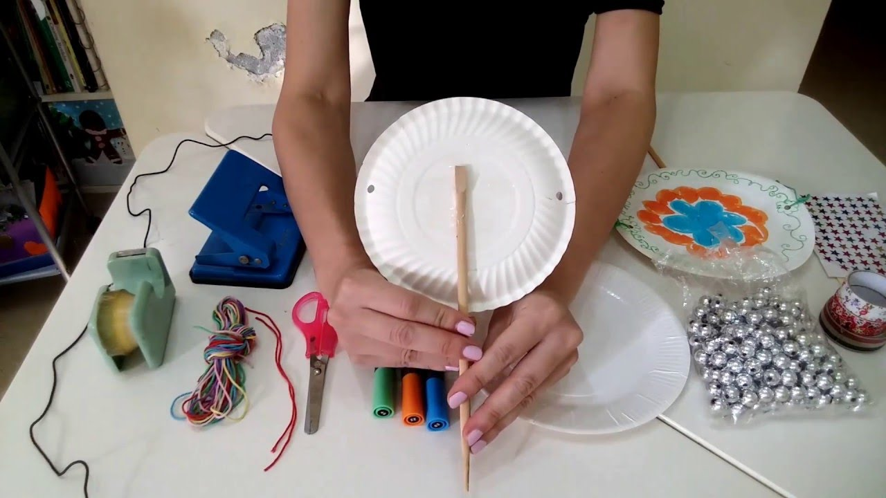 aqua水老師 表達藝術治療師 示範親子手工: DIY樂器之紙碟搖鼓 - YouTube