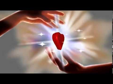 футаж сердце в руках от Натальи К.