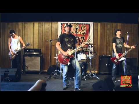 1029 The Buzz Acoustic Buzz Session: Jackyl I Stand Alone