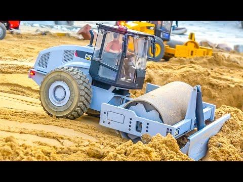 RC Construction Machines At RC-Glashaus! Caterpillar & More In Action!