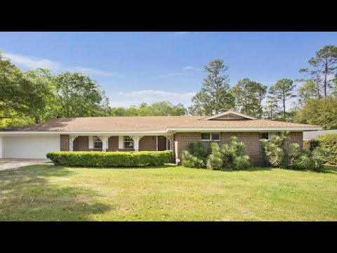 4217 Coventry Dr, Moss Point, MS Presented By Jen Gurganus.