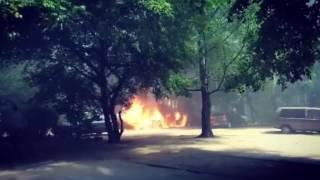 На ул. Б. Хмельницкого в Калининграде сгорел BMW 30.05.16(Утром в понедельник, 30 мая, на улице Богдана Хмельницкого в Калининграде произошёл пожар. В результате инци..., 2016-05-30T11:15:22.000Z)