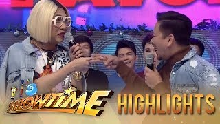 It's Showtime: Vice Ganda and Jhong play 'Bato bato pick'