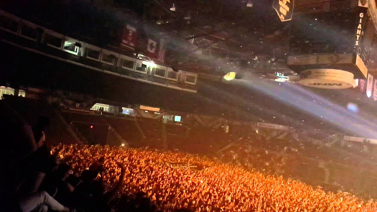 Alesso live vancouver bp18 2015 youtube alesso live vancouver bp18 2015 malvernweather Images