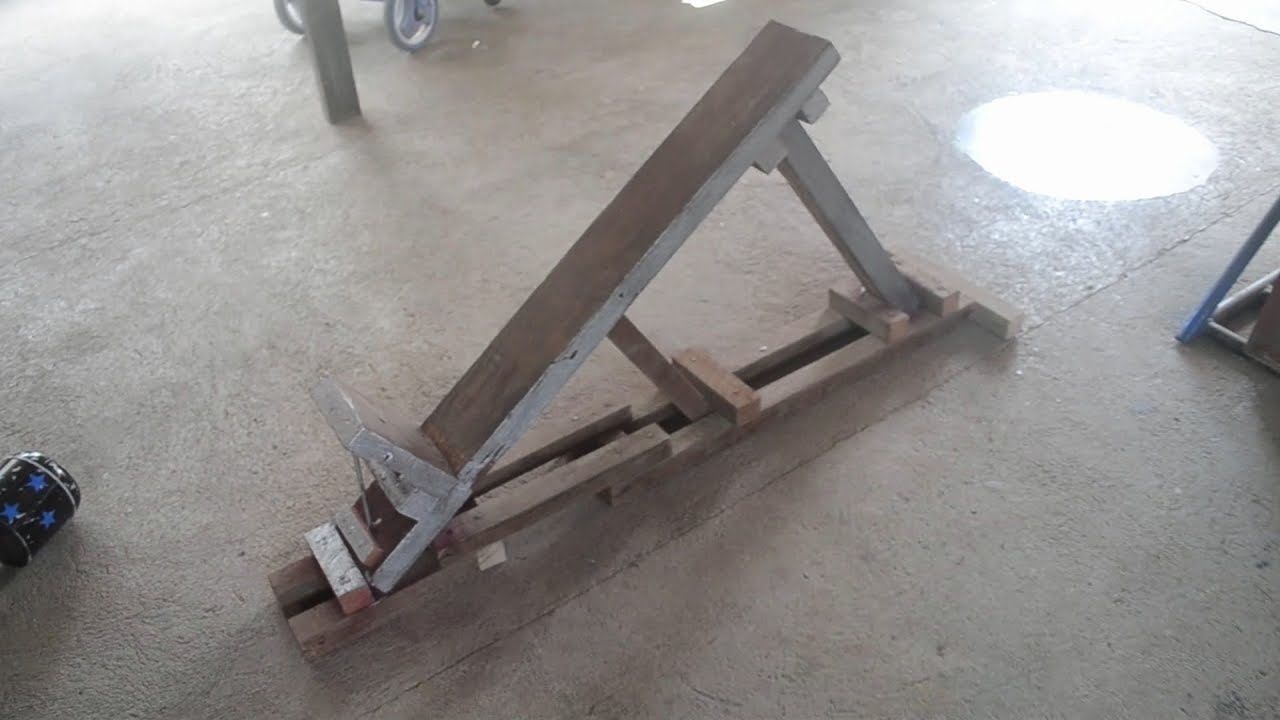 Homemade Incline Bench - YouTube