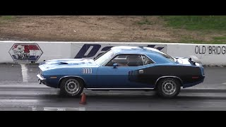 1971 PLYMOUTH CUDA 440 SIX PACK 4 SPEED RUNNING THE 1/4 MILE
