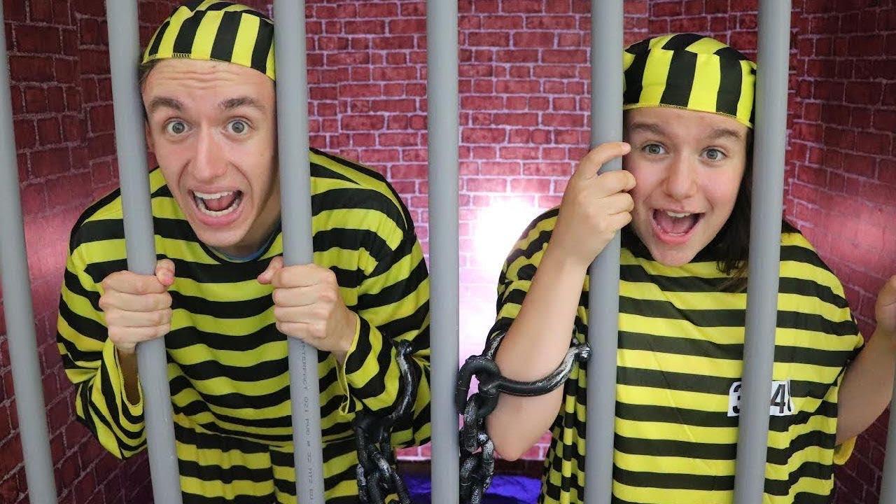 ON VA EN PRISON (EN CARTON) ! (SKETCH)