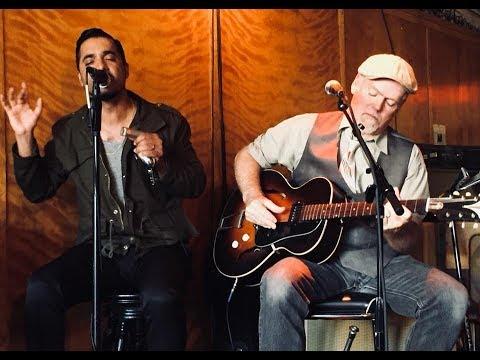 The Aki Kumar & Jon Lawton Duo - Little Walter's