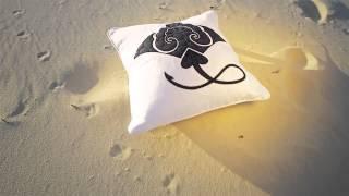 Cushions on the beach - Navy