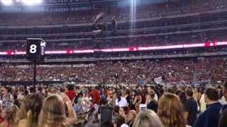 Crowd WAVE at Taylor Swift Concert - MetLife Stadium