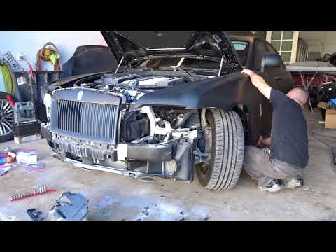 Wrecked Rolls Royce Ghost repair Part 1 ( disassembly )