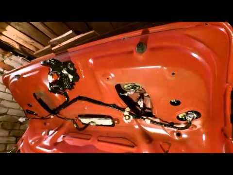 ремонт кнопки багажника Mazda 3 2006 г