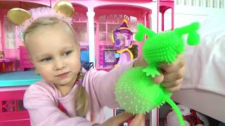 Alice play with colorful toys for kids !