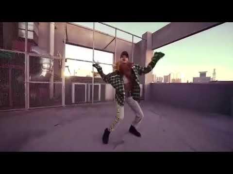 "BLACKPINK Lisa Solo Dance ""I LIKE IT""-Cardi B, Bad Bunny & J Balvin"