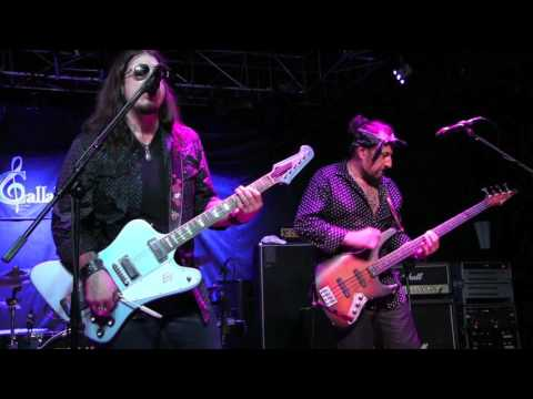 ''AIN'T NO LOVE IN THE HEART OF THE CITY'' - SUPERSONIC BLUES MACHINE @ Callahan's, July 2017