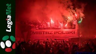Legia mistrz 2021. Feta pod pomnikiem Syreny w Warszawie