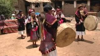 Pujllay and Ayarichi, music and dances of the Yampara culture