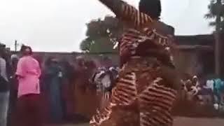 Afrikalik Raqqosa Ayol