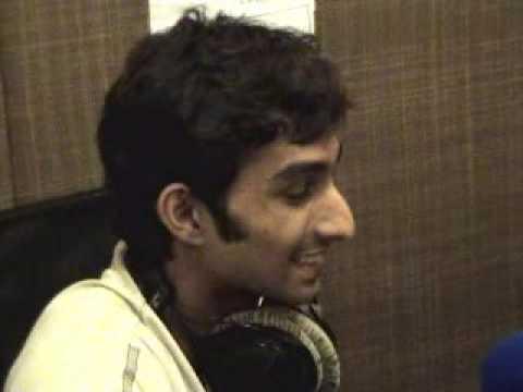 Hot FM-105 Karachi - Live Chords