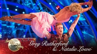 Greg Rutherford & Natalie Lowe Salsa to 'Wrapped Up' - Strictly Come Dancing 2016: Week 4