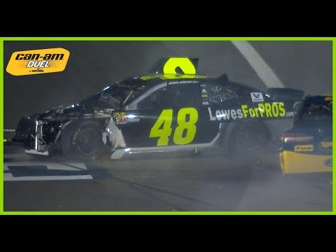 Jimmie Johnson triggers early wreck in Cam-Am Duel 1
