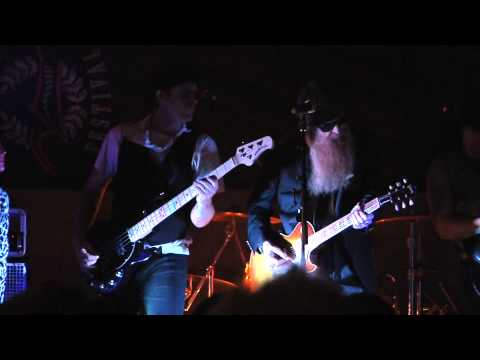 ZZ Top Cheap Sunglasses - Billy Gibbons playing Cheap Sunglasses with The Monroes