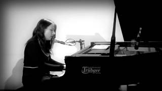 Lisa Cuthbert - live in Hamburg - This Corrosion (Bonus Video 3/3)