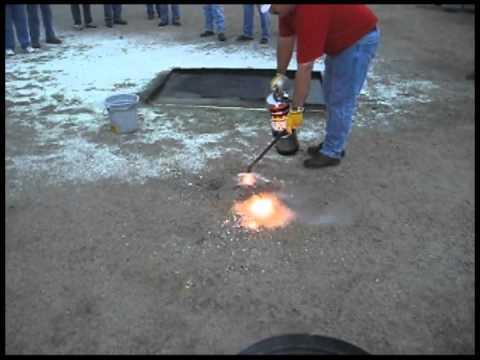 F-500 EA Extinguisher Cools Burning Magnesium