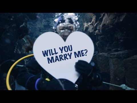 Stopover for Love - A Secret Proposal in Iceland