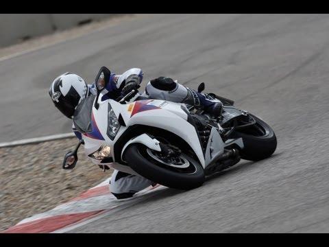 Honda CBR1000RR Fireblade Test & Fahrerimpressionen