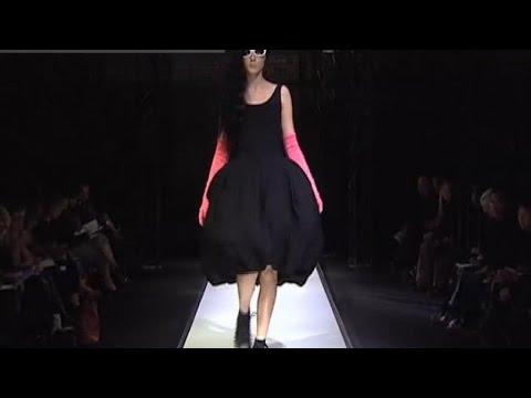 YOHJI YAMAMOTO Fashion Show Spring Summer Paris 2007 by Fashion Channel