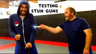 ★★★★★ Testing Amazon's Top 4 Stun Batons & Getting Shocked Review Taser, Streetwise, Vipertek, Sabre