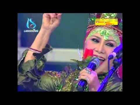 Ratu Dan Raja Dangdut Bertemu Kangen – Mawar Merah – Hj. Elvy Sukaesih Di Soneta Group