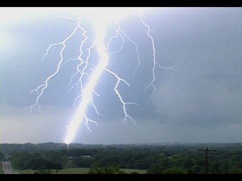 Lightning in the Daytime Super-Compilation: 30 minutes of bolts!