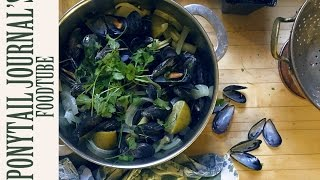 Thai Style Steamed Mussels
