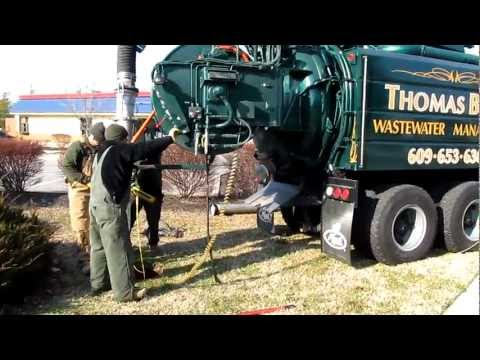 Jetter/Vac truck in action 2