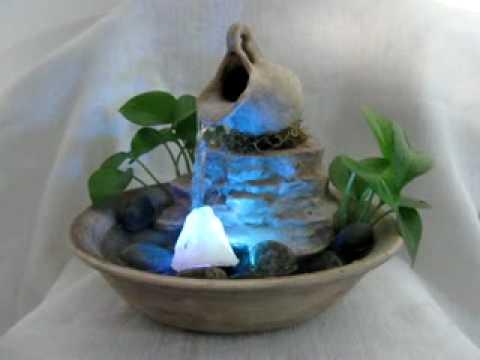 Fuente de agua feng shui felicidad c luz 122 mpg youtube for Fuente agua feng shui